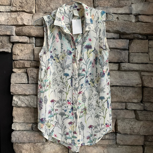 H&M | floral sleeveless blouse